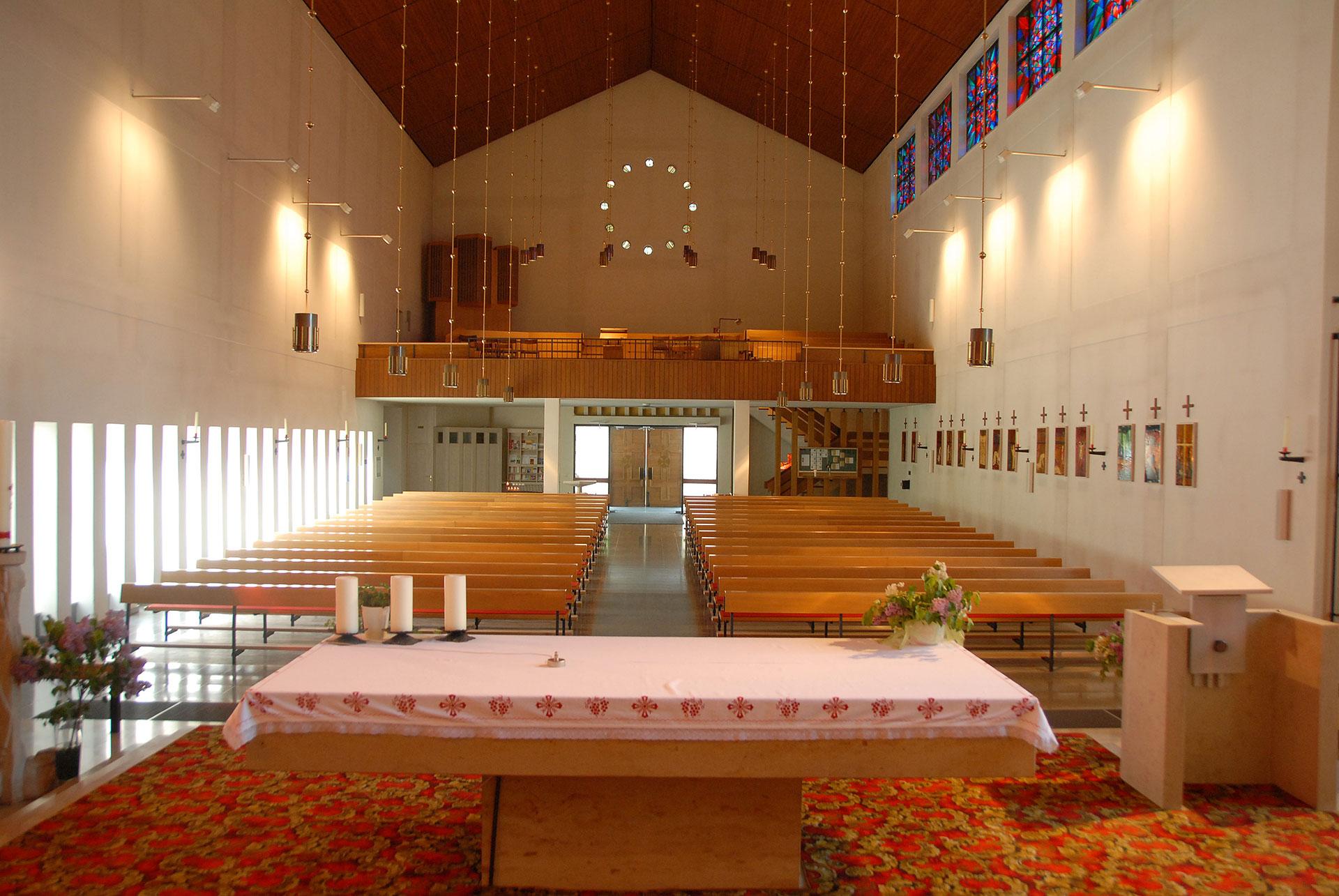 Kirche Schüttdorf Altarraum